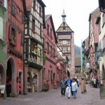 Descubre Riquewihr, la ciudad del vino francés