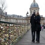 El Puente de las Artes, el peso del amor en París