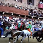El Palio, la carrera hípica medieval de Siena
