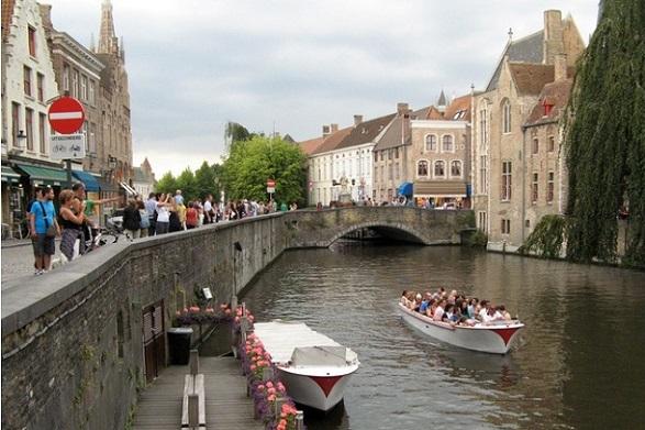 turismo-Brujas